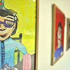 La serie que puede verse en el Centro Cultural Matta, de la Embajada de Chile, reúne cincuenta autoretratos, que se destacan por la vitalidad que transmiten